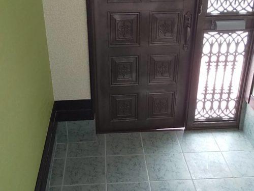 新川戸建て内装 玄関(玄関)